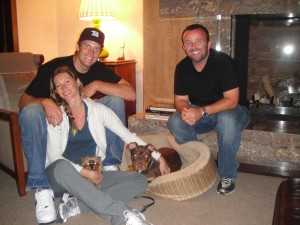 Mike with Tom Brady and Gisele Bundchen with dogs Lua and Vita
